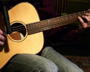 5 Stücke für Gitarre, #1 – Strange Bossa
